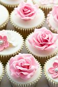 image of sugarpaste  - Wedding cupcakes - JPG