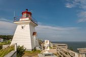 Lighthouse (cape Enrage)