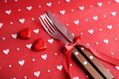 Cutlery set with decorative hearts
