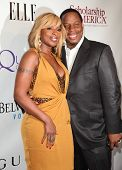 NEW YORK - MAY 01:  MARY J. BLIGE & HUSBAND arriving to 2nd Annual Mary J. Blige Honors Concert  on May 1, 2011 in New York, NY