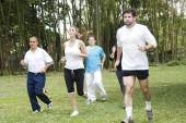 Grupo de personas para correr