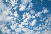 Clouds in th blue sky