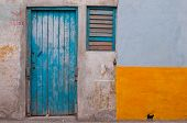 play of thr colour at Old district of Havana