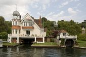 Edwardian Bootshäuser, Thames, Reading, Berkshire