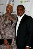 .LOS ANGELES - 6 de MAR: NeNe Leakes, Greg Leakes llegan a la