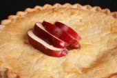 Cerca de tarta de manzana fresca