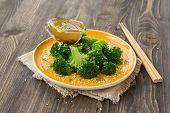 Broccoli with sesame seeds, sesame oil