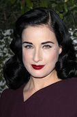LOS ANGELES - MAR 26:  Dita Von Teese arrives at the Launch of Kimberly Snyder's