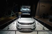 The Land Rover Lrx Concept