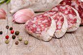 Salami Wurst mit weissen Schimmel