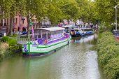 La Maison De La Violette Restaurant Boat