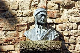 picture of alighieri  - Bust of Dante Alighieri in an small alley in Florence - JPG