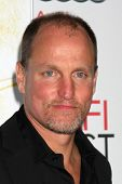 LOS ANGELES - 5 de novembro: Woody Harrelson chega a AFI FEST 2011 Gala Screening de