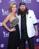 LAS VEGAS - APR 07:  Willie Robertson & wife Missy arrives to the Academy of Country Music Awards 20