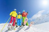 pic of family ski vacation  - Skiing - JPG