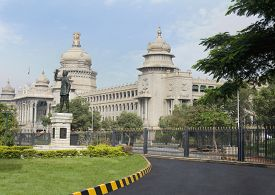 foto of vidhana soudha  - Statue of Subhas Chandra Bose in front of a government building - JPG
