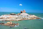 Pequena ilha com memorial de Swami Vivekananda, Mandapam, Kanyakumari, Tamil Nadu, Índia