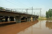 pic of stent  - closeup of railway bridge - JPG