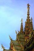 Attraction Pattaya -The Santuary Of Truth outer roof.