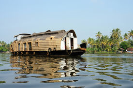 picture of alleppey  - Tourist boat at Kerala backwaters - JPG