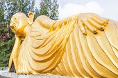 pic of recliner  - Reclining golden Buddha statue at Srisoonthorm temple Phuket - JPG