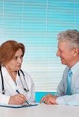 Excelente médico e seu paciente