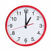 Round Clock Shows Exactly One O'clock