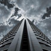 Rascacielos dramático