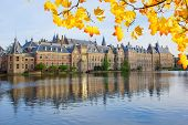 picture of minister  - Binnenhof  - JPG