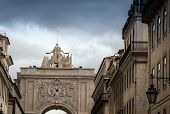 pic of arch  - The Rua Augusta Arch is a stone - JPG