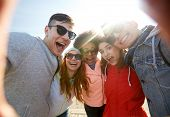 picture of teenagers  - tourism - JPG