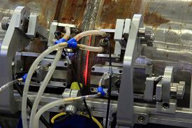 image of pipe-welding  - The acoustic inspection device of the weld on steel pipe - JPG