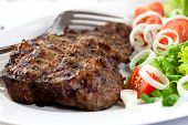 Grille steak with fresh vegetables
