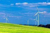Wind-Turbinen-Landschaft. Umgebung fiendly Quelle von Energie