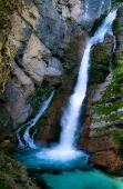 Wasserfall und cliff