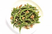 Green beans salad with walnuts
