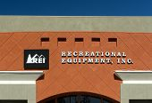 Rei Storefront And Sign