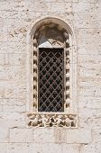 Absidal window.