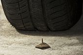 Prego e pneumático