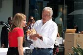LOS ANGELES - AUG 23:  Kim Matula, John McCook celebrating Kim's birthday at the Bold and Beautiful