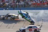Carl Edwards Absturz Nascar Sprint Cup-Serie Aarons 499 Apr 26