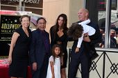 SLOS ANGELES - AUG 26:  Mom, Paloma Jimenez, Hania Riley Diesel, Vin Diesel, Vincent Diesel at the V
