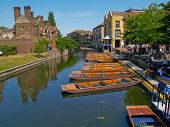 Cambridge River und punts