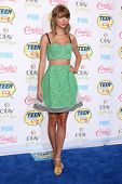LOS ANGELES - AUG 10:  Taylor Swift at the 2014 Teen Choice Awards at Shrine Auditorium on August 10