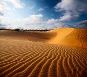 pic of dune  - Red dunes near the town of Mui Ne - JPG
